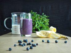 Makové mléko a borůvkové smoothie