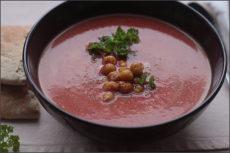 Krémová polévka z pórku, řepy a cizrny