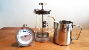 Náčiní pro přípravu domácího latté
