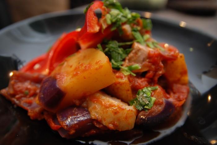 Marocký jehněčí tažín s bramborami